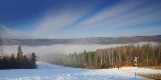 V Levoči na vás čakajú veľmi dobré snehové podmienky a kompletne otvorené stredisko! - ©Ski centre Levoča