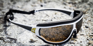 Was eine gute Sportbrille wirklich können muss: Die tycane pro outdoor im Skiinfo-Test und auf dem Seziertisch der Wissenschaft