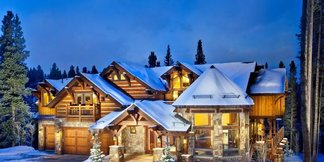 10 of the Best Ski-In/Ski-Out Hotels in the World - ©Five O'Clock Lodge