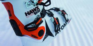 Zwei Skischuhe 16/17 im Vergleich: Nordica Speedmachine 130 vs. Atomic Hawx Ultra 130 - ©Atomic