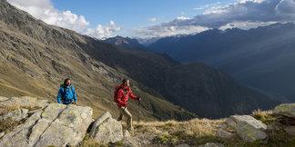 Hoch oben in den Bergen kann man sich das Ötztal erwandern - ©Bernd Ritschel   Ötztal Tourismus