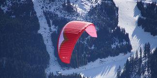 Paralotniarstwo: latać, jak ptak ponad górami - ©Gesa Temmen