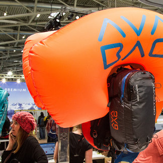 Ispo München: stokken, helmen, rugzakken en safety-equipment - ©Skiinfo
