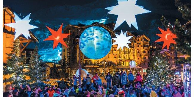 Festive skiing - ©Office du Tourisme Val d'Isère