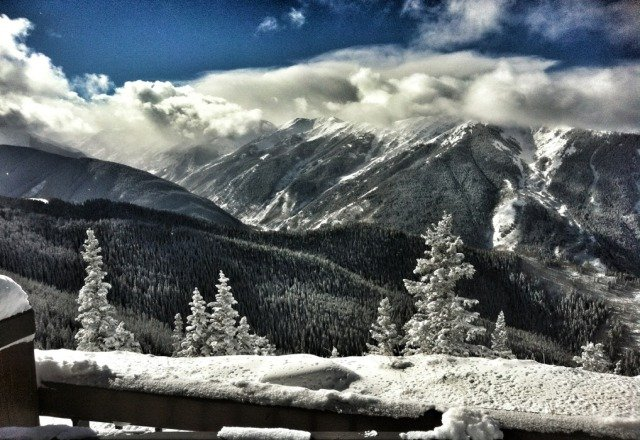 Aspen was great on Sunday! Over a foot of fresh pow to shred