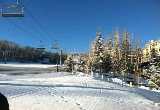 beautiful blue skies, no lift lines, 37 degree weather, fresh powder ... cant beat snowmass