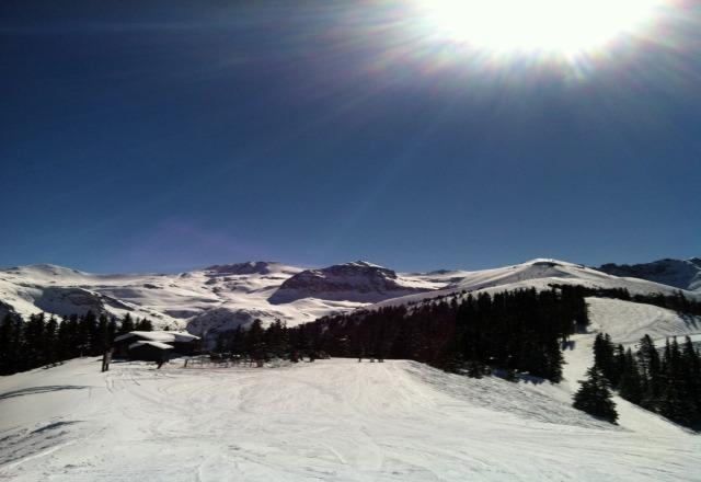 great sunny day at telluride. not a ton of snow but there's a decent base and its well groomed.