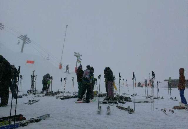 Epic snow, fresh powder. Heavy snowfall all day, 10-15cms in town, double up the mountain.