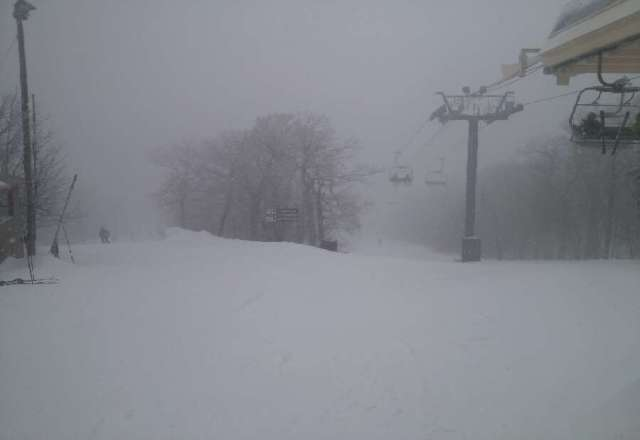 Awesome conditions as usual. Live and love POW POW and WAWA, great mountain.