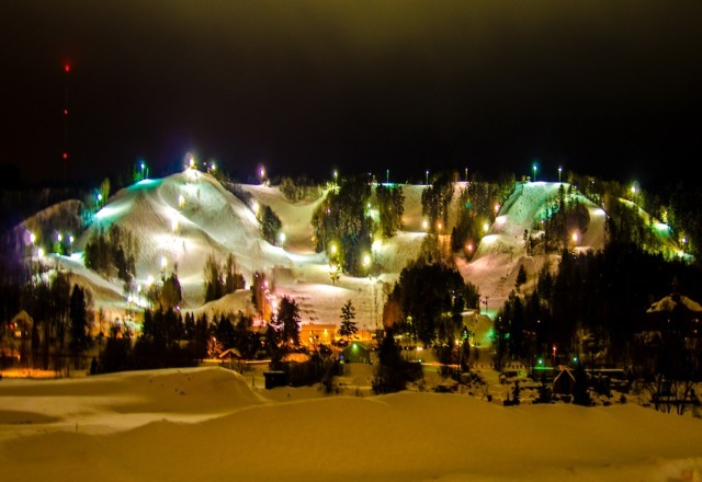Great skiing and riding under the lights!