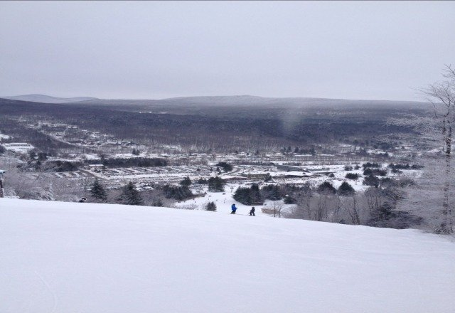 today was great snow! aside from the noisy snowguns! ? ski the east