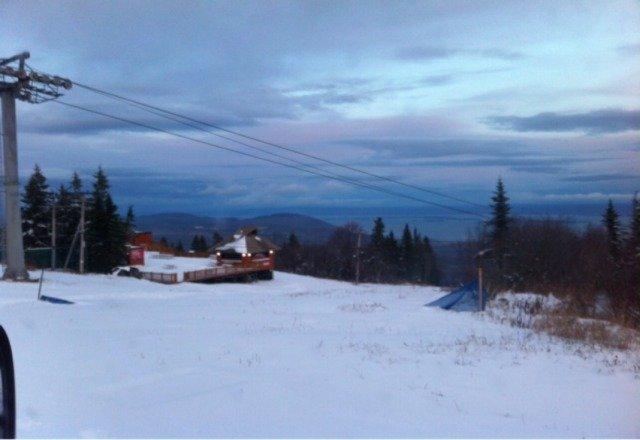 15cm early season snow at the top of mt sainte anne