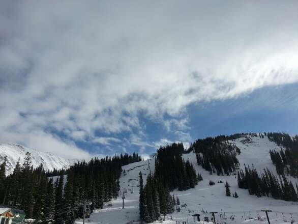 Awesome day! Packed areas with soft snow on top. Blue skies, some snowing and cloudiness afternoon, but then more sun!