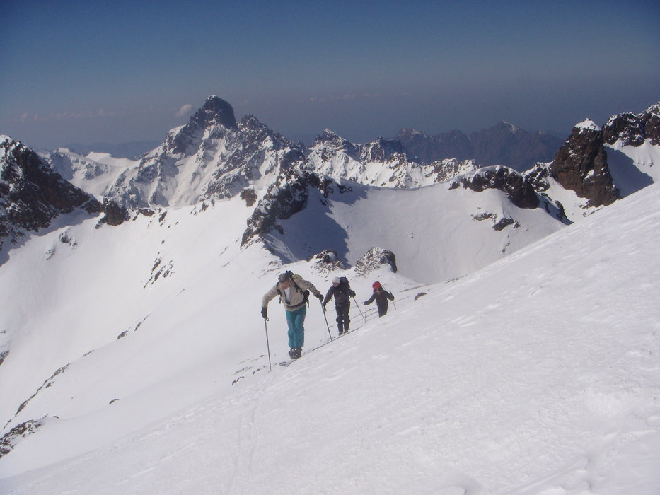 Ski mountaineering in Corsica. Courtesy Montagnes de Corse.