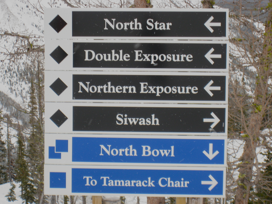 Trail signs at Castle Mountain. Photo by Becky Lomax