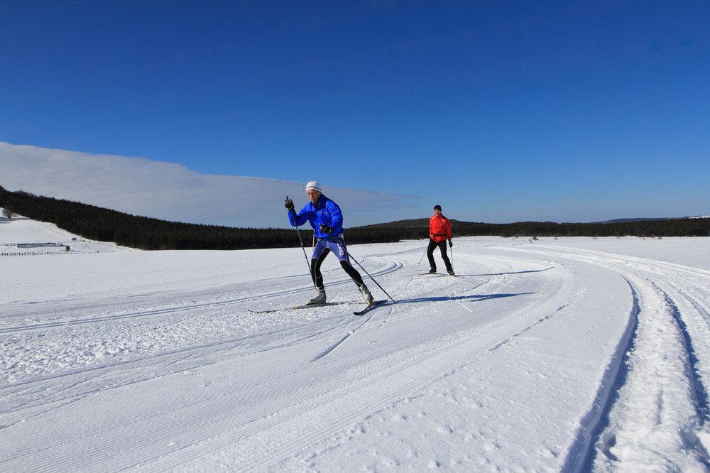 Besse super besse photos de la station domaine de ski nordique de besse super besse skiinfo - Office du tourisme super besse ...