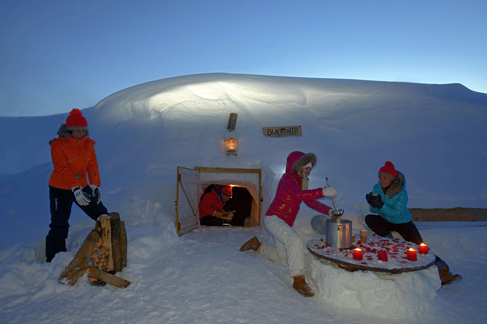 la plagne photos de la station une nuit sous un igloo. Black Bedroom Furniture Sets. Home Design Ideas