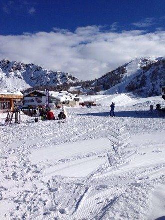 Tantissima neve. Alla mattina piste bellissime al pomeriggio neve un po' a mucchi ma sempre molto bella