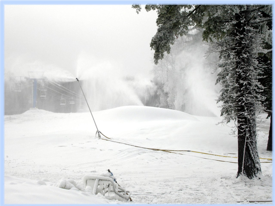 Snowmaking at Alpine Mountain, Pennsylvania