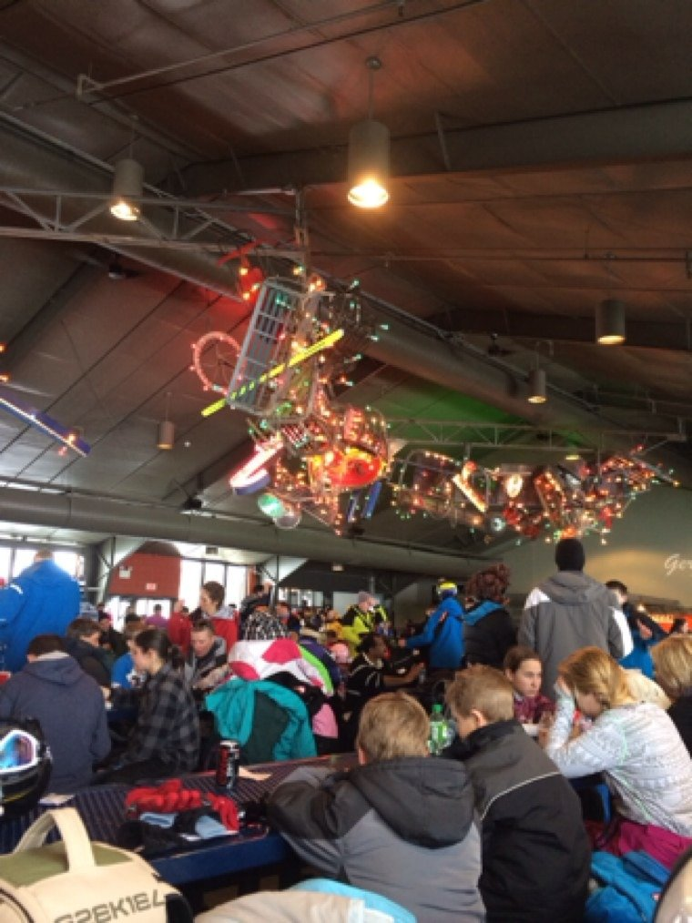 Wow, lodge and parking lot packed, but lift lines minimal and plenty of elbow room on the trails...don't know how they do that, but they absorb a crowd amazingly well here!  Fantastic day, thanks Montage!!!