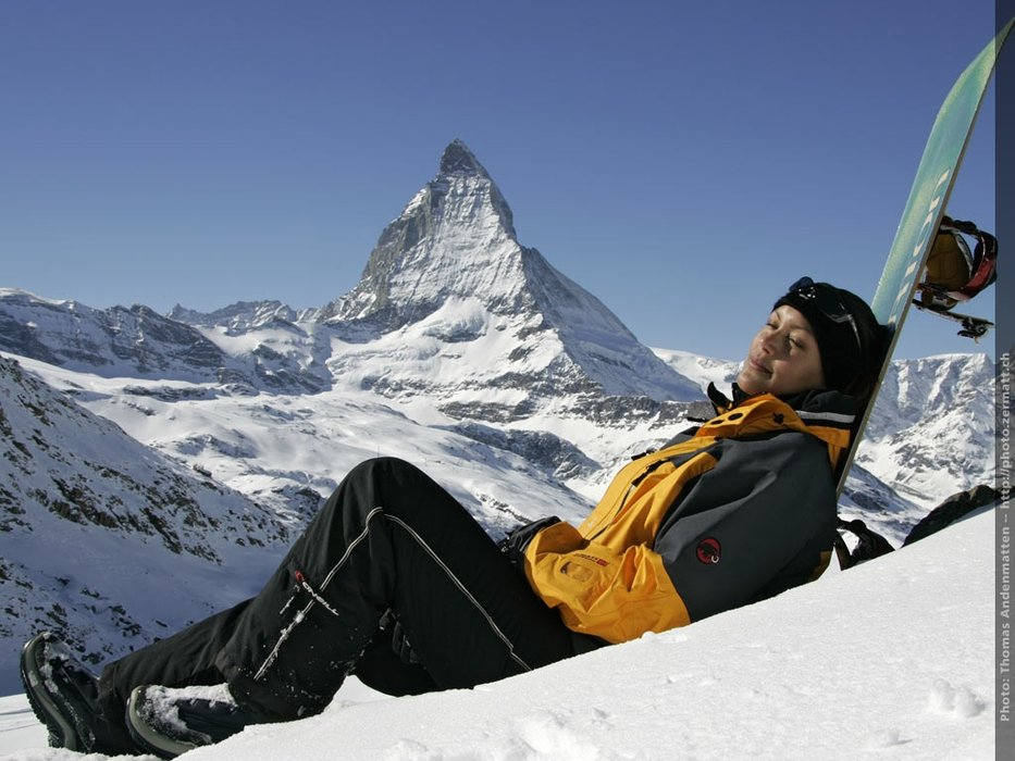 Soaking up some sun next to the Matterhorn. - ©Zermatt Tourism