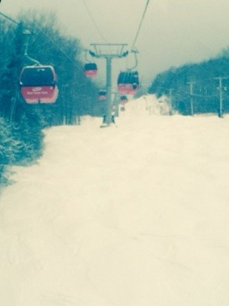 First day at Mont Ste Anne. Great snow and moderate temperatures. Very nice resort and very friendly.