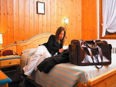 Hotel roma san vito di cadore for Hotel meuble fiori