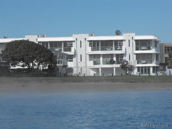 Waimahana Luxury Lakeside Apartments
