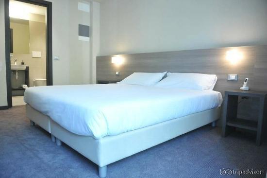 HLL Hotel LungoLago