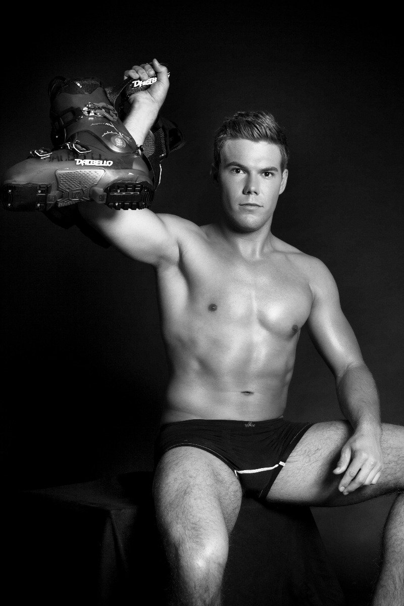 2015 Male Ski Instructor Calendar: Mr July - ©Gitta Saxx | www.skilehrerinnen.at