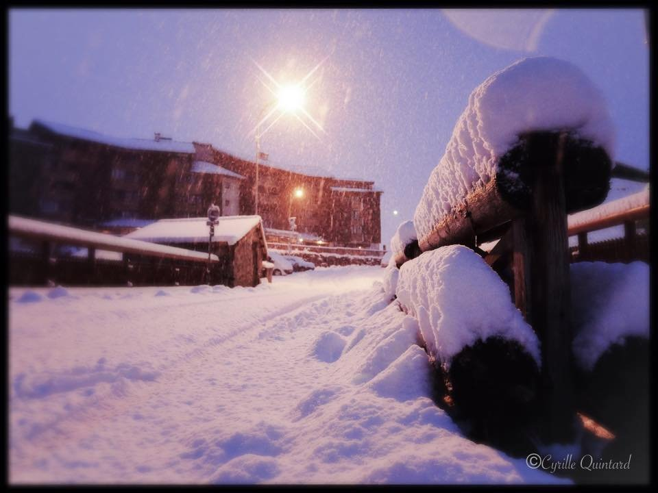 40 cm of fresh snow in Alpe d'Huez (FRA) - Nov 17, 2014 - ©Cyrille Quintard