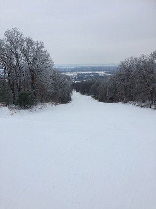 Cold day so slopes were deserted. Machine made and groomed, almost no ice. Worth the drive.