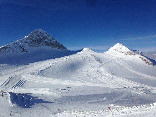 A good 20cm new snow from yesterday  and a perfect blue bird day today