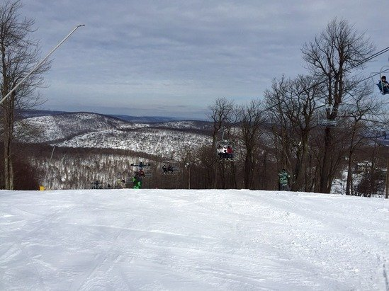 Great conditions and best experience I've had at Blue Knob! No lift lines, except for about 1 hour when 2 lifts were offline...