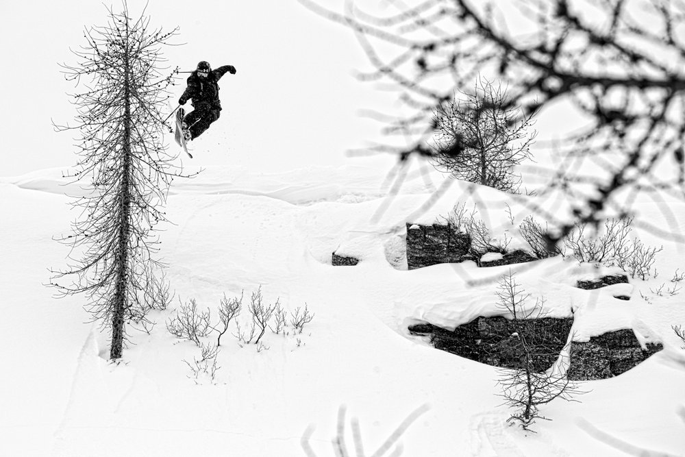 Sean Jordan with the nice tree lap/tap on a snowy day. - ©Liam Doran/MSP