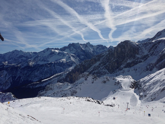 Garmisch Classic-Skigebiet - Super sunny and warm this weekend. Great spring skiing. - ©Da Gomez