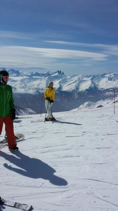 Courchevel - Pistes in very good condition with sunny skies. M , Combe de pylon & Swisses along with other north facing slopes excellent snow. Ski Murettes rather than Brigues back to Le Praz. Only slushy at late pm so very good for time of year. Val Thoren has excellent conditions & 4th valley sublime.  - ©cath.haynes