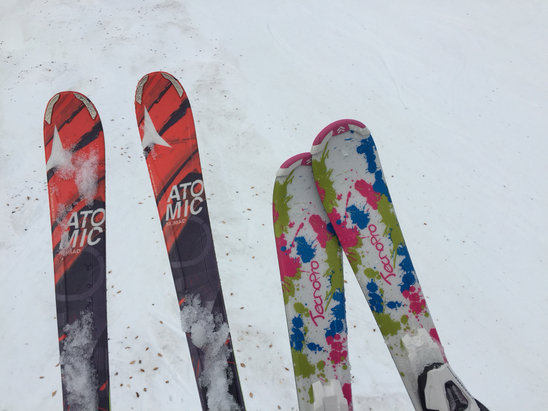 Crystal Mountain - Great spring skiing conditions.