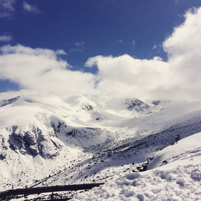 Borovets - Snowing lightly at the top today. Still great conditions :)