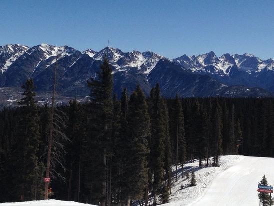 Durango Mountain Resort - Great morning at the Purg! Don't let the beach cam deter you, the snow is holding up well all across the mountain! Kids had a great time at