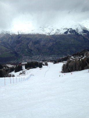 Les Arcs - The lower area is semi slush but the upper mountain is hard packed with powder on the sides.  - ©mason