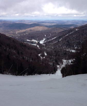 Killington Resort - Good spring ski day. Very foggy til about noon. No one here.