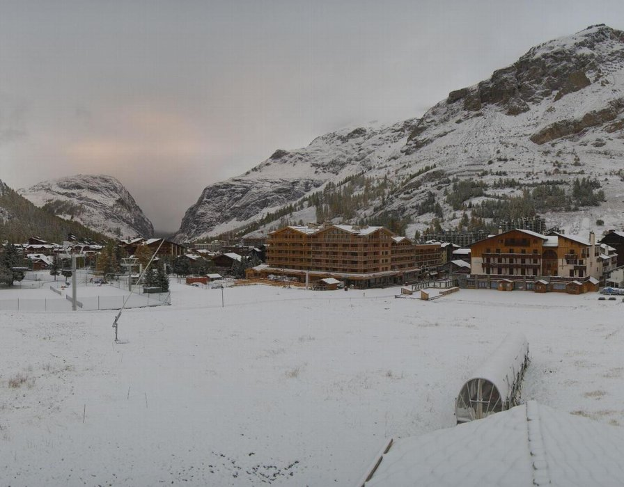 Wake up with snow at XX (October 16, 2015)