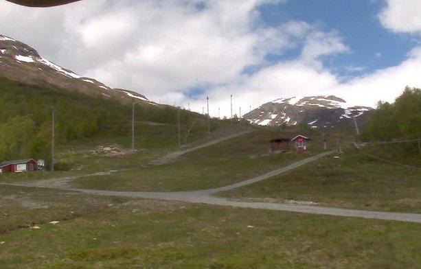 Kjenner du igjen norske skianlegg uten snø? - ©Screenshot Skiinfo webcams