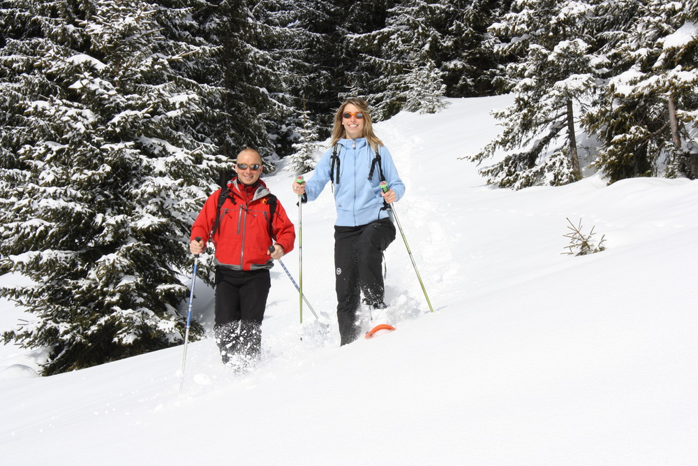 Snowshoeing, Chantal Bourreau/La Marmotte Bleue