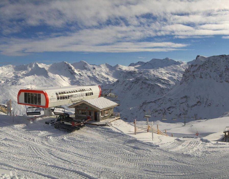 Val d'Isère ce midi entre neige au soleil
