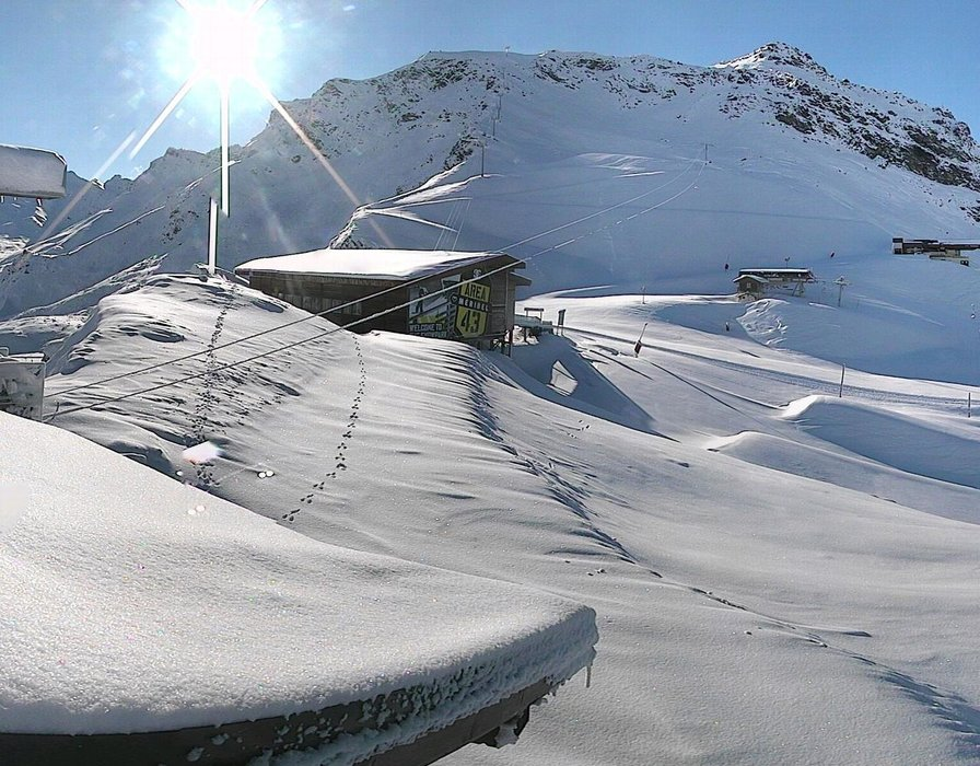 Meribel ce midi entre neige et soleil
