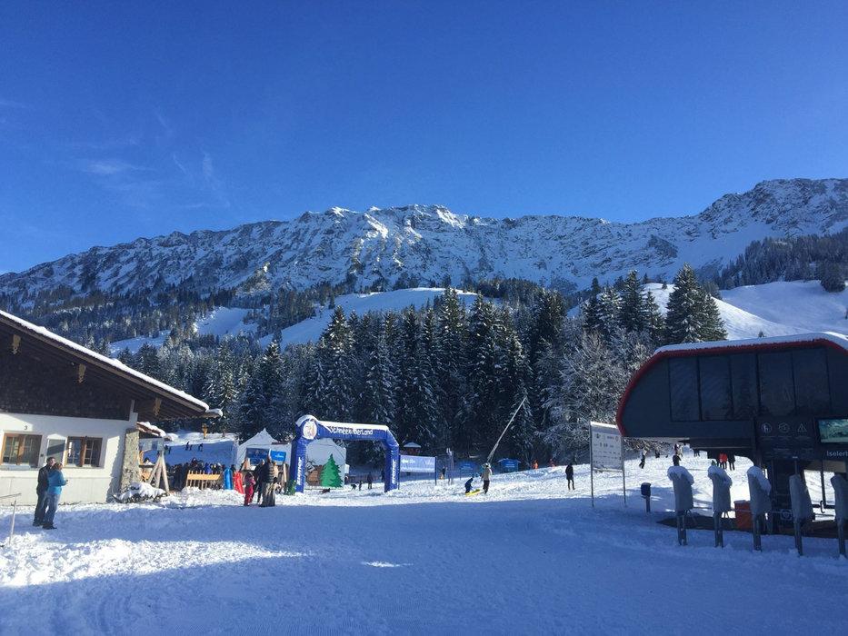 In Hindelang ist endlich auch Schnee gefallen - ©Facebook Bergbahnen Hindelang Oberjoch