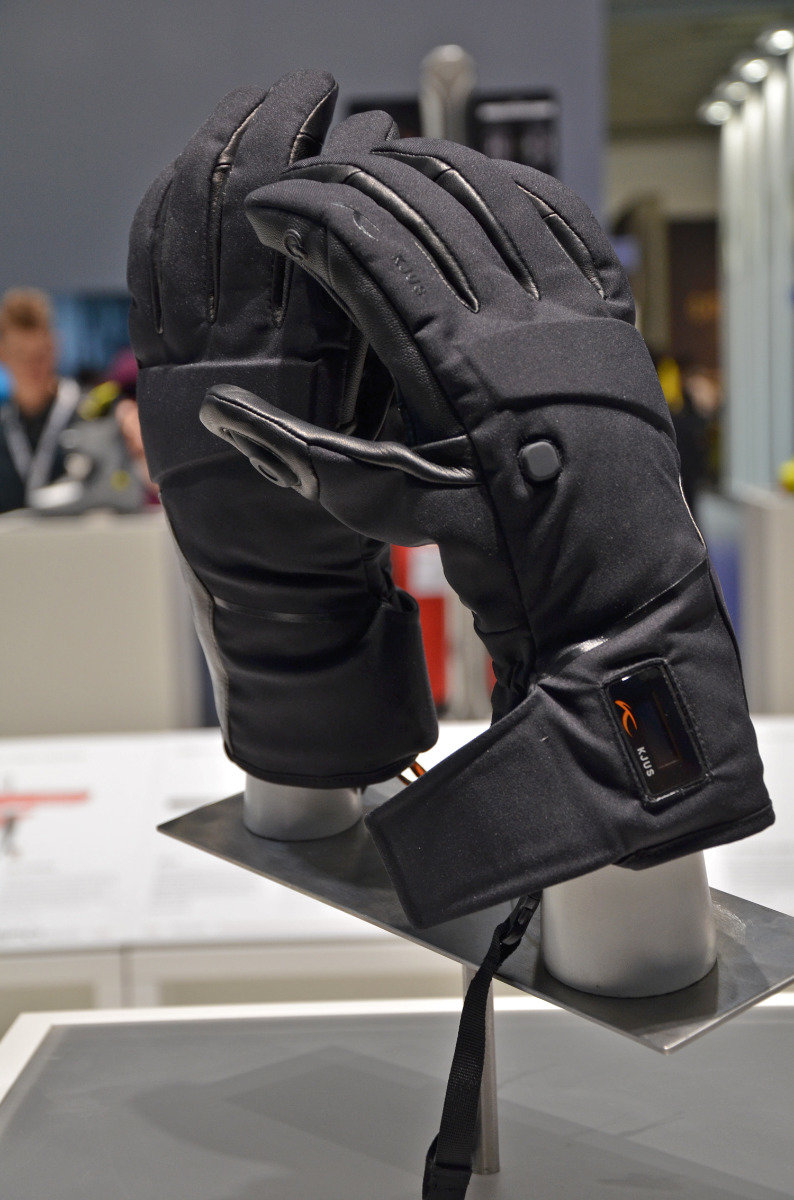 Kjus wint een Ispo-award met deze handschoen. - ©Skiinfo