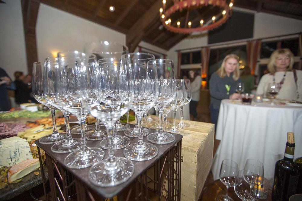 Wine-tasting event during SKADI Vail. - ©Vail